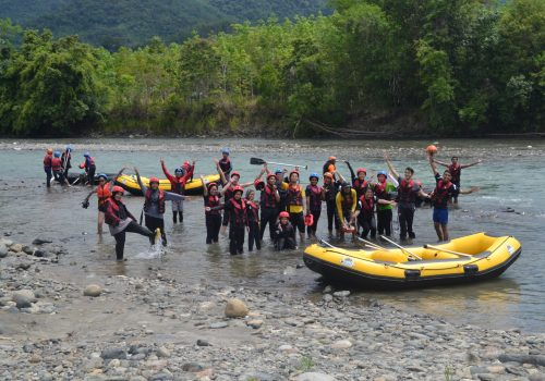 A pit stop to rest at Kadamaian river